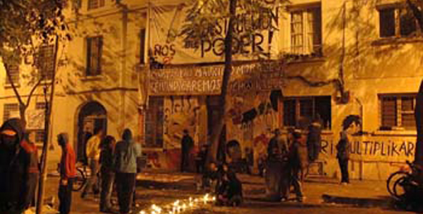Resistance to police raids on the Sacco and Vanzetti squat